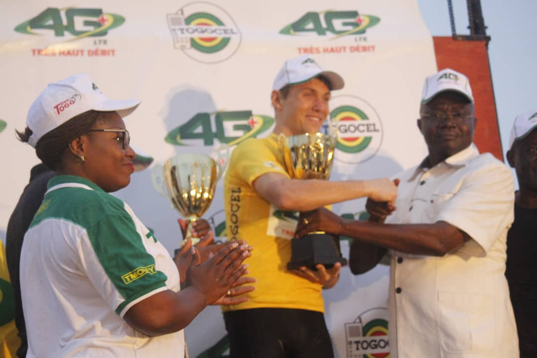 SScvmFF4droOLPaUbFJW TOUR CYCLISTE INTERNATIONAL DU TOGO: L'ALLEMAND HELLMANN JULIAN SUR LE PODIUM DE LA 28È ÉDITION.